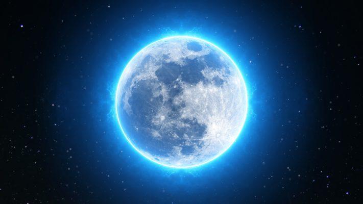 pleine-lune-éclairée-astrologie
