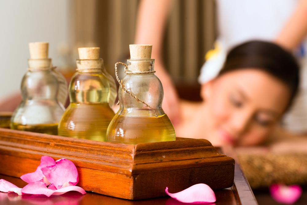 massage-huiles-essentielles-plantes-naturelles-bio
