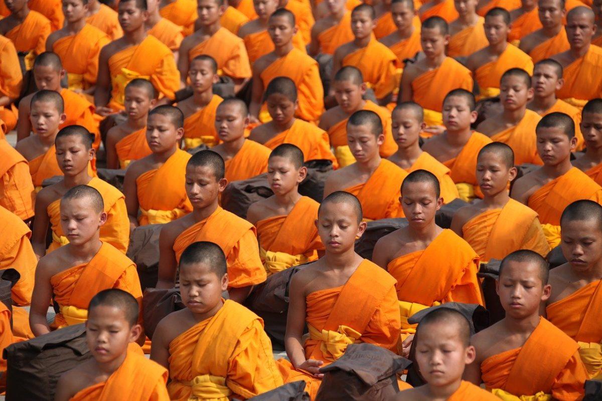 moines-pratique-meditation-bouddhique-centre-bouddhiste
