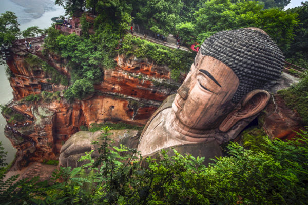 grande-statue-de-bouddha-leshan-chine-continentale