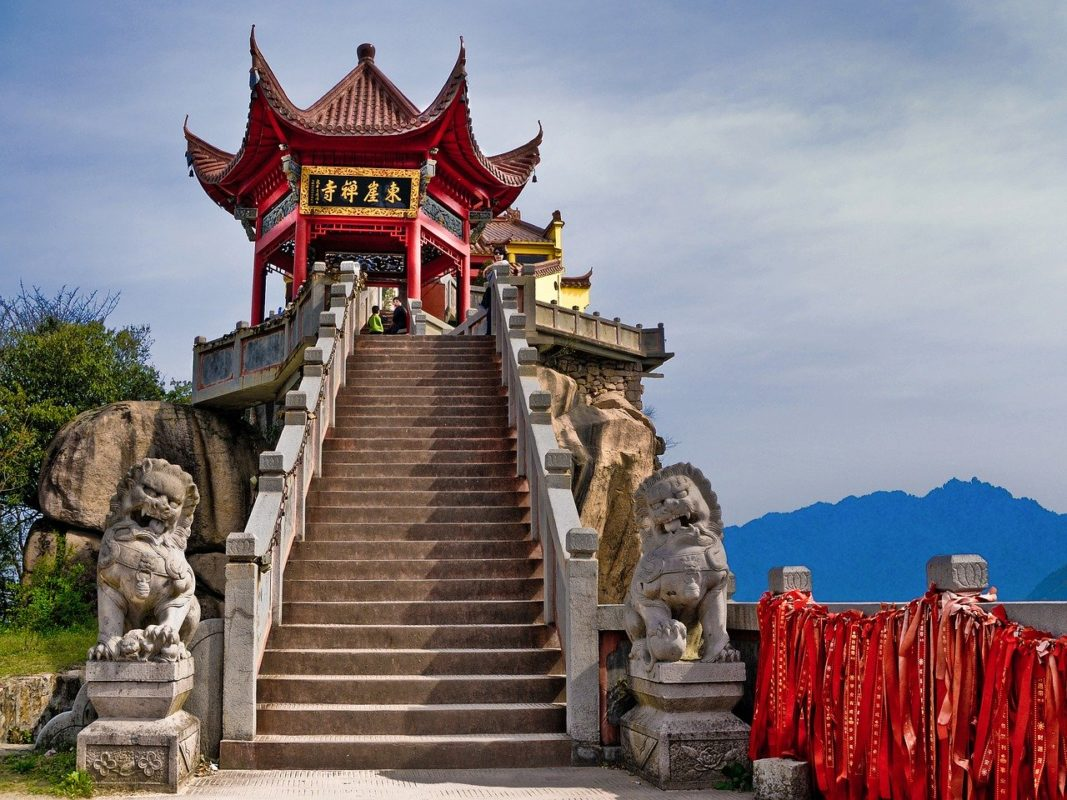 temple-taoiste-montagne-chinoise-sacrée