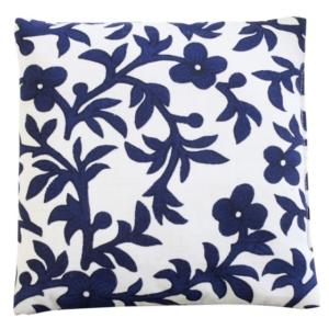 coussin-motif-a-fleur-couleur-bleu-blanche