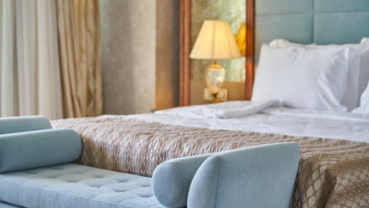 lit-chambre-hotel-de-luxe-feng-shui